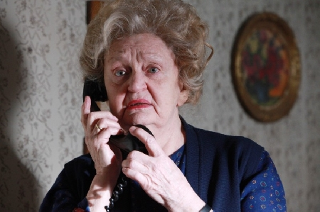 Violenza Sessuale Di Gruppo Responsabile Anche La Nonna Che Assiste A